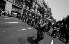 """BARCELONA..27.05.2010..ALTERCADOS..DISTURBIOS EN BARCELONA...AL INTENTAR DESALOJAR LA PLAZA CATALUNYA EN DONDE LOS INDIGNADOS ESTABAN ACAMPADOS DESDE EL DIA 15 DE MAYO...DETENCIONES, LA POLICIA HA TENIDO QUE RETROCEDER HASTA QUE SE HAN IDO VOLVIENDO A DEJAR LA PLAZA OTRA VEZ EN MANOS DE LOS INDIGNADOS.....PRODUCCION PROPIA........FOTOGRAFIAS DE JOB VERMEULEN para CORDON PRESS  27 of May 2011- Plaza Catalunya Square, Barcelona.  Police Charge againts demonstrators of """"15-M"""" moviment in Spain. At 7:00 in the morning the police start to push out all people but at the end people resist and take again the big square. The police charge was very hard againts pacific demostrations people"""