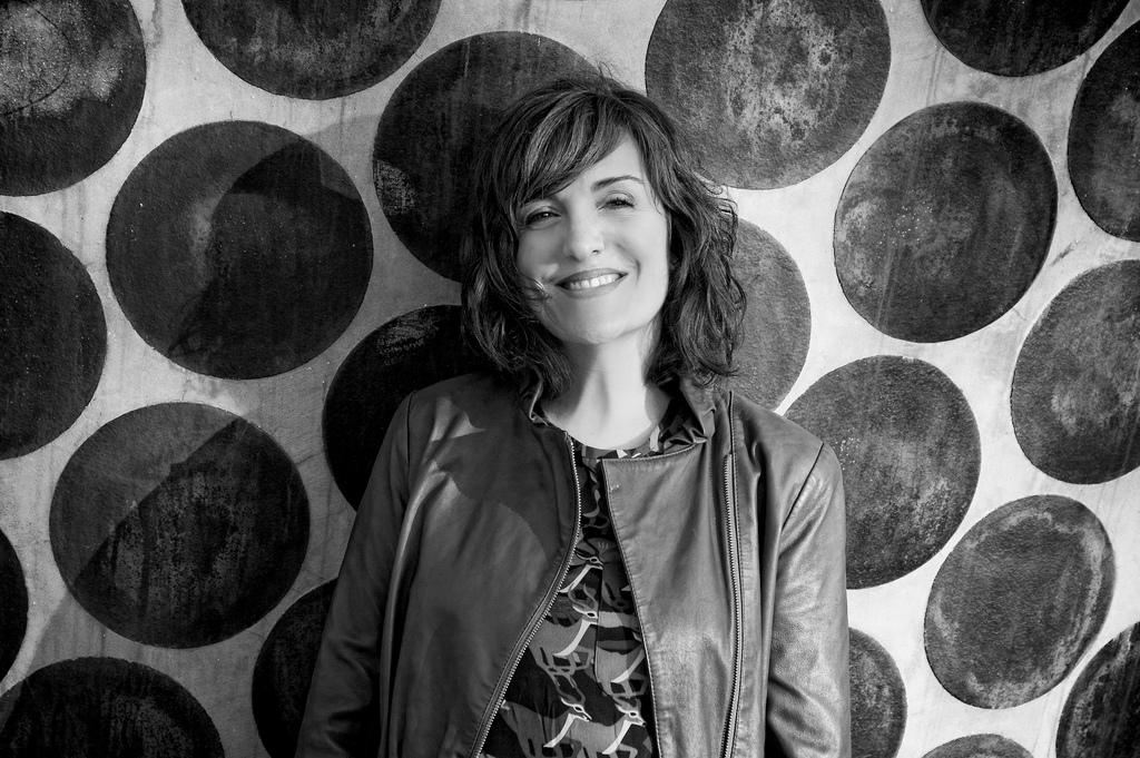 """Elvira Lindo: """"En España hay que pedir permiso para tener libertad de criterio"""""""