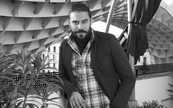 José Padilla: «Los artistas siempre somos sospechosos de contubernios políticos, de ser los de la ceja»