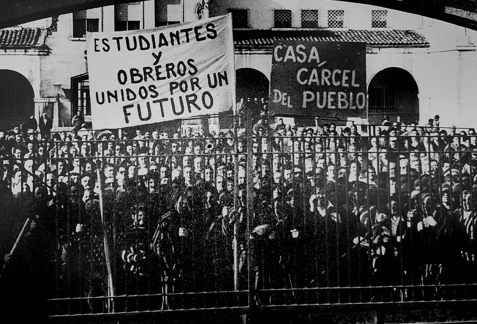 Rubén Díaz Caviedes: Quemar contenedores