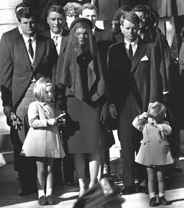 1963: Muestrario de la cultura de masas del año en que mataron a Kennedy