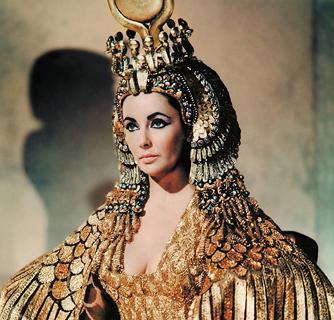 ¿A qué monarca le ha hecho un favor mayor el cine o la televisión?