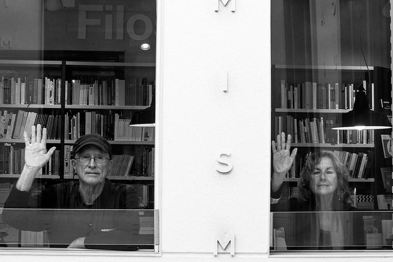 Bernardine Dohrn y Bill Ayers: «Violencia es quedarse en casa viendo la televisión mientras fuera se cometen injusticias»