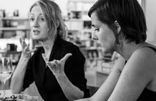 Milena Busquets y Jenn Díaz: «La maternidad se ha convertido en la nueva religión»