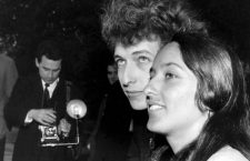 Bob Dylan follk singer with Joan Baez April 1965