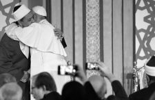 NO FRANCE - NO SWITZERLAND: April 28, 2017 : Pope Francis hugs Sheikh Ahmed el-Tayeb, Al-Azhar's grand imam, at Cairo's Al Azhar university.  EDITORIAL USE ONLY. NOT FOR SALE FOR MARKETING OR ADVERTISING CAMPAIGNS.