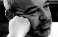 Jaime Gil de Biedma, 1983. Fotografía: Elisa Cabot (CC).