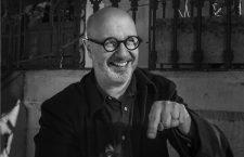 Rodrigo Fresán: «El máximo halago que se le puede hacer a la realidad es convertirla en una ficción»