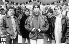 British rock band Oasis. (l-r) Tony McCarroll, Noel Gallagher, Liam Gallagher, Paul McGuigan and Paul Arthurs