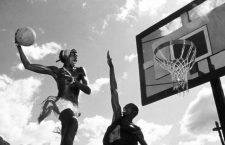 Der Sprung Nach Oben, Air Up There, The, Der Sprung Nach Oben, Air Up There, The, Charles Gitonga Maina Im Match zeigt Saleh (Charles Gitonga Maina) sein Talent *** Local Caption *** 1994