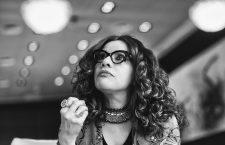 Mona Eltahawy: «Quiero complicar la visión que Occidente tiene de las musulmanas»