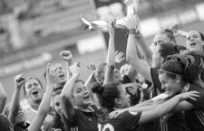 30.8.07.2018 xcex Schweiz, Biel, Fussball, Frauenfussball, U19 Europameisterschaft der Frauen, Juniorinnen, Finale, U19-EURO, UEFA Women s U19 Deutschland gegen Spanien Jubel bei den Europameisterinnen aus Spanien *** 30 8 07 2018 xcex Switzerland Biel Soccer Womens Football U19 Womens European Championships Juniors Final U19 EURO UEFA Women s U19 Germany v Spain Cheers to the European champions from Spain