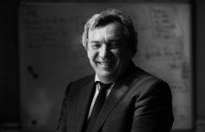 Viacheslav Mujánov: «La cosmología nos ha demostrado que la relatividad y la mecánica cuántica están presentes desde las escalas más grandes a las más pequeñas»