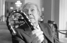 (FILE) A picture dated 1982 shows Argentinian writer Jorge Luis Borges photographed in Rome, Italy. On the date is the 25th anniversary of his death, June 11, 2011. Photo: Roberto Pera/dpa | usage worldwide