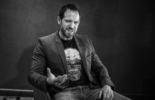 Joe Abercrombie:«Los nerds heredaremos la Tierra»