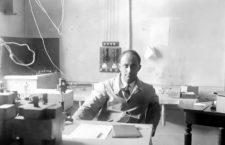 El fisico y premio Nobel italiano Enrico Fermi en su laboratorio