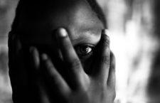 Una mujer congoleña, víctima de violación en grupo, posa en las instalaciones de la ONG Heal Africa en Ndosho, República  Democrática del Congo, 2006. Fotografía: Per-Anders Pettersson / Getty.