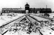 Entrada del campo de concentracion de Auschwitz. Foto: Cordon Press.
