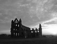 En el cubil del vampiro: sobre Bram Stoker, Drácula y Whitby